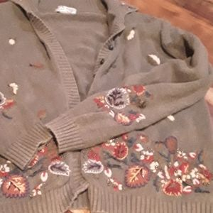 Sweaters - Gorgeous beaded cardigan